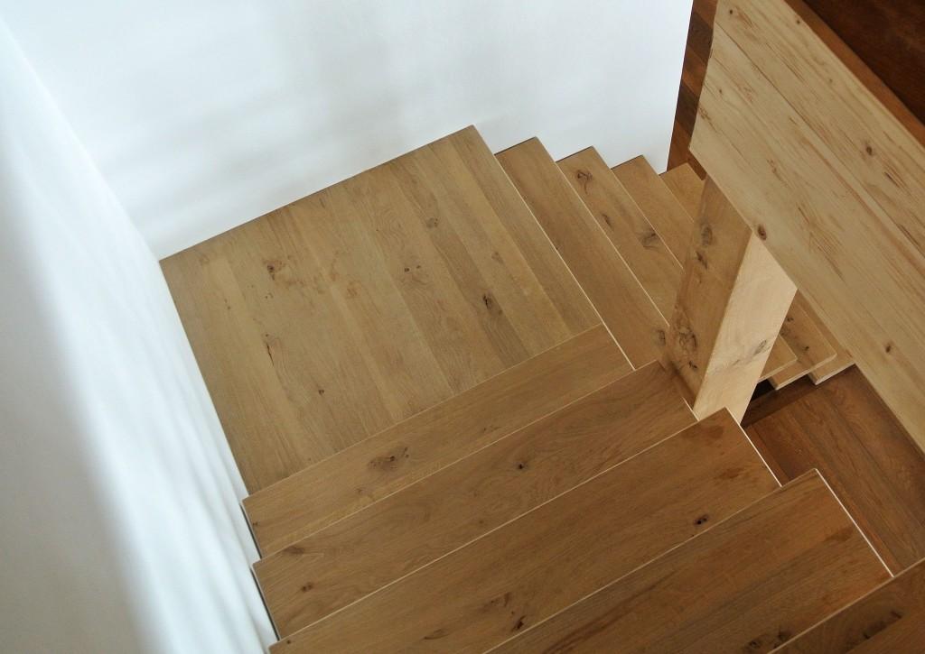 Urs-Järmann-Holzbau-Eichen-Treppe